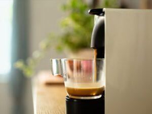 لک شدن دندان با قهوه و چای